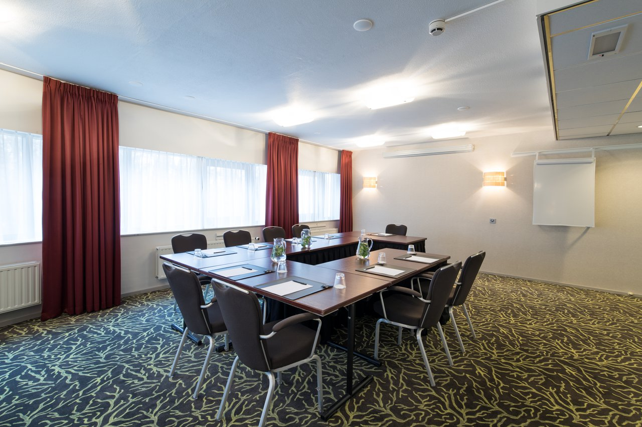 Host your meeting in a green and wooded setting