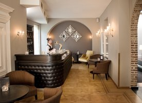 Chateau Holtmuhle 7243 lounge bar.jpg